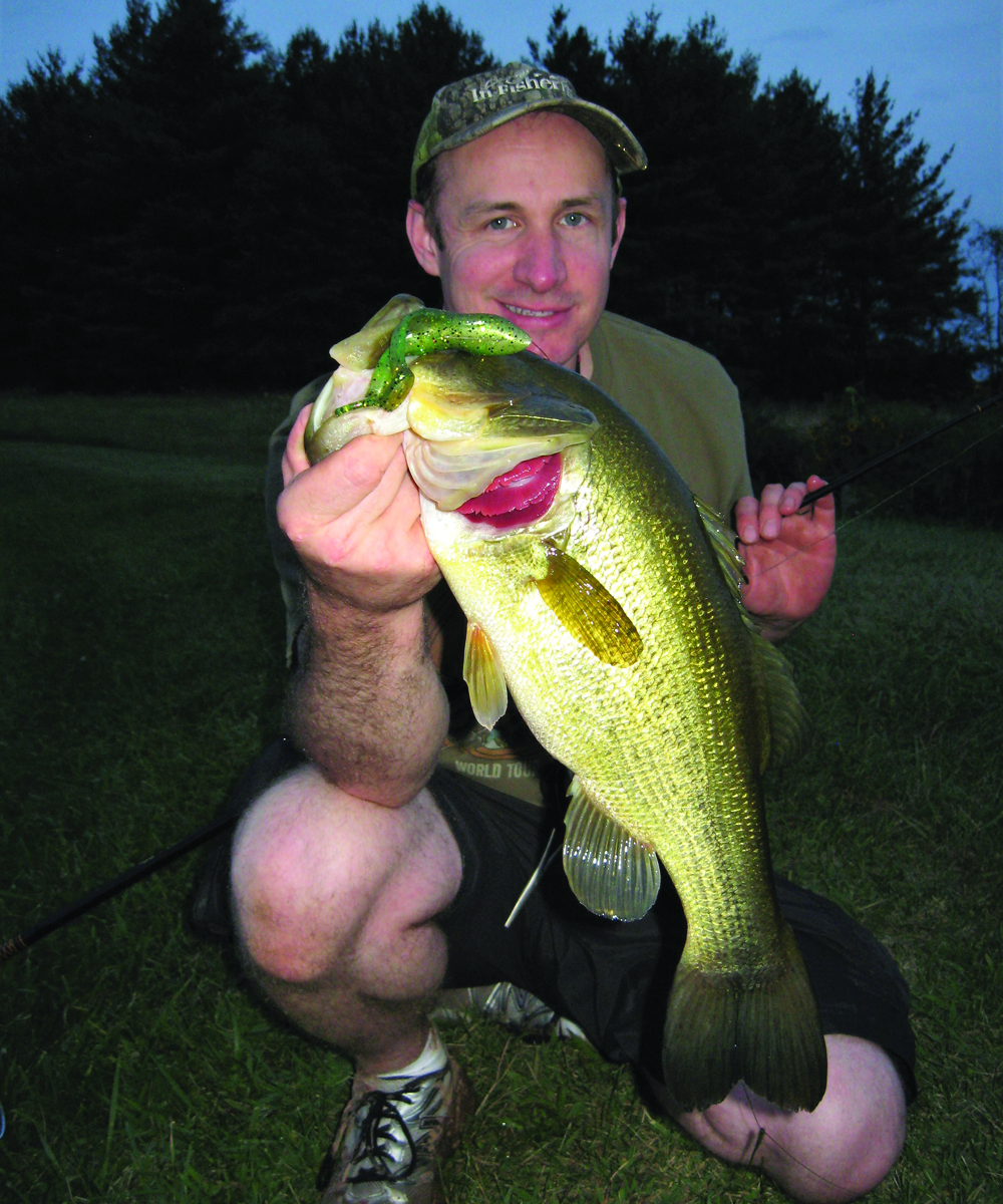 big bass night fishing