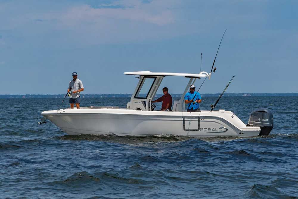 fishing on the robalo r272 center console boat