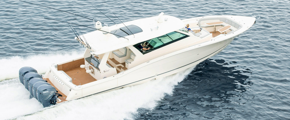 scout 530 lxf center console yacht running