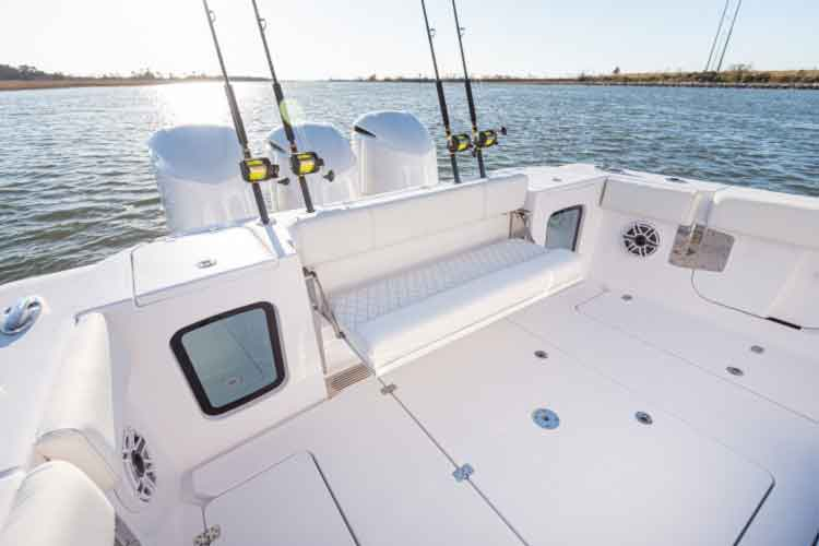 livewells on sportsman 352 fishing boat
